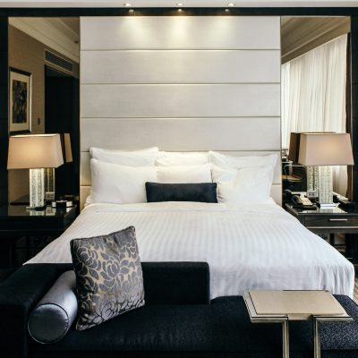 Sleep in Singapore: </br>Marriott Tang Plaza Hotel
